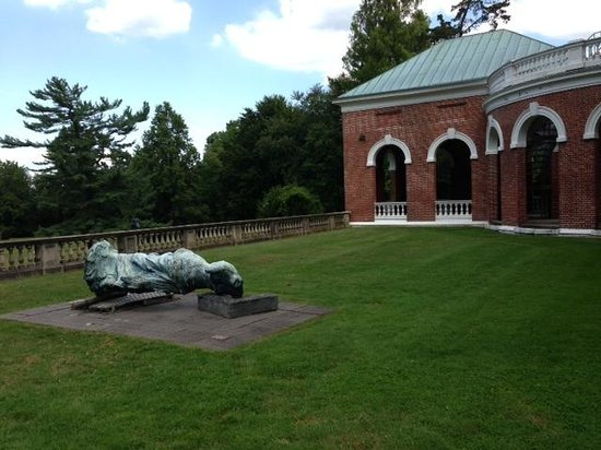 Nassau County Museum of Art: Lawn