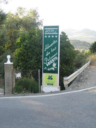 Hotel Rural Huerta de las Palomas: ojo!!! se entra por aquí