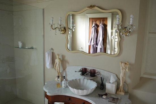 Saint Patrick's Luxury Boutique Hotel: Bathroom