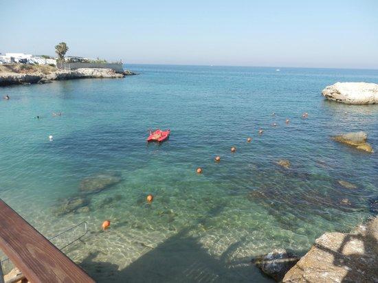 Porto Giardino Resort: Caletta vicino al villaggio.
