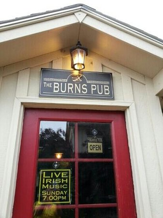 The Burns Pub at The Hilltop Inn