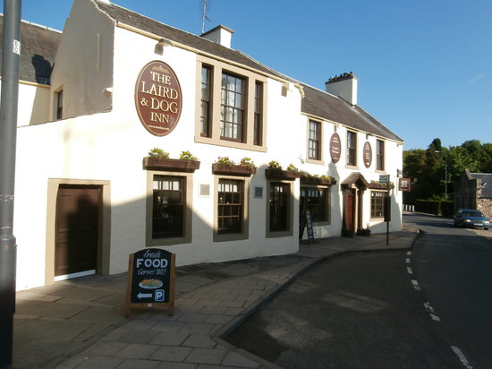 The Laird and Dog: Frontage of the Laird
