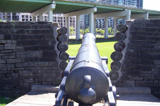 Fort York National Historic Site : Gun Emplacement Aimed at Gardiner Expressway