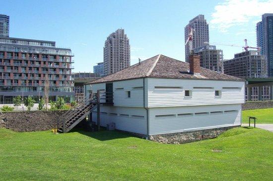 Fort York National Historic Site: Barracks