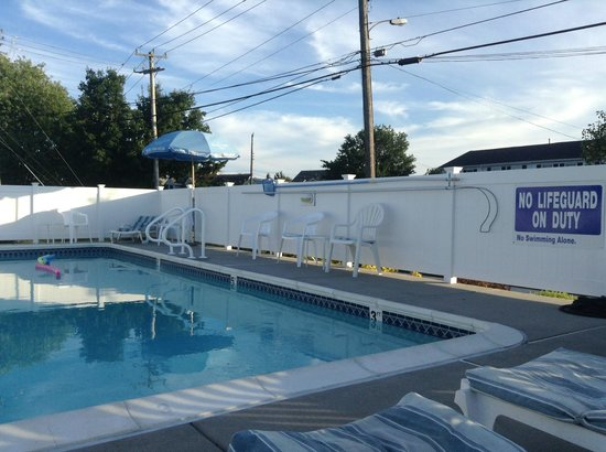 Blue Fish Inn: pool
