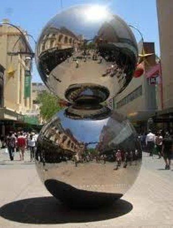 Rundle Mall : Mall's Balls