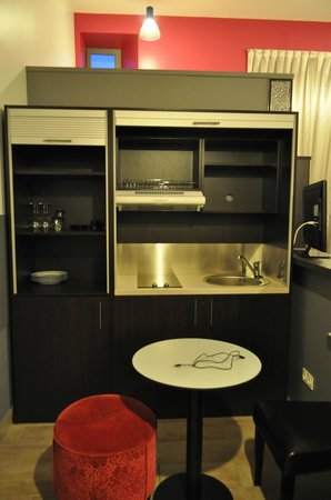 Hotel Reine Mathilde: Kitchenette