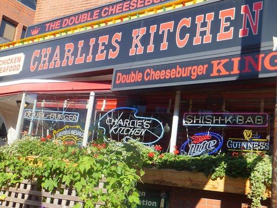 charlies kitchen front patio - Charlies Kitchen
