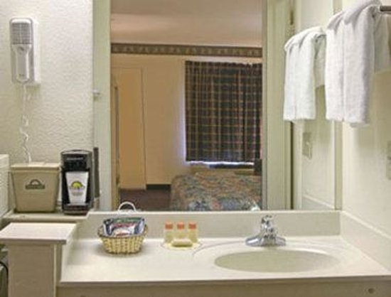 bathroom picture of days inn suites by wyndham. Black Bedroom Furniture Sets. Home Design Ideas