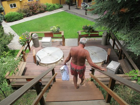 Box Canyon Lodge & Hot Springs: The Hot Springs are on Three Levels at Different Temperatures