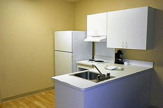 Extended Stay America - Jacksonville - Camp Lejeune : Fully-Equipped Kitchens