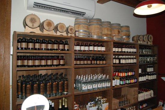 Tuthilltown Spirits: Gift shop