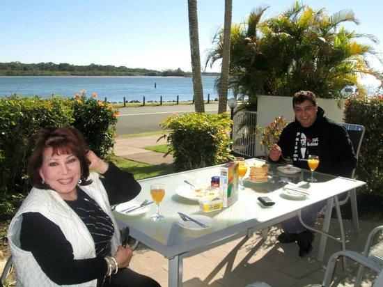 Cockleshell Sands: Breakfast at Terrace II