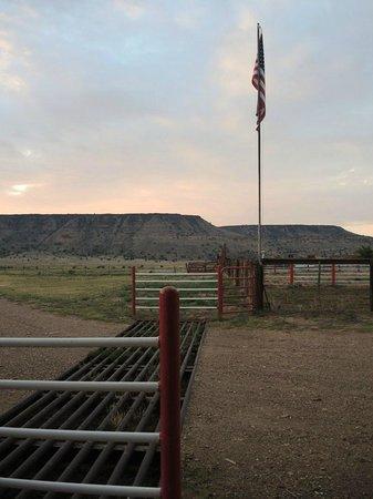Black Mesa Bed & Breakfast: Just before sunset