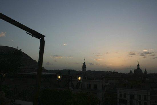 Albergo del Senato: Spritzes at sunset - bello