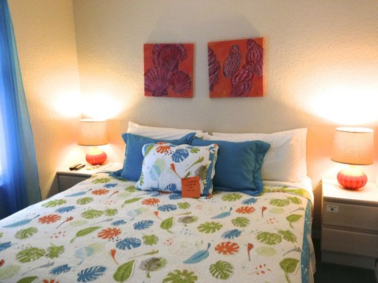 The Ringling Beach House - A Siesta Key Suites Property : fun decor