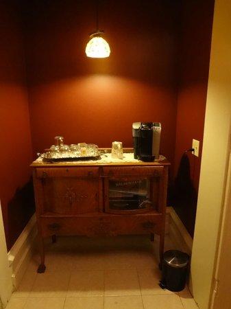The Casey-Pomeroy House: Self-service coffee/tea