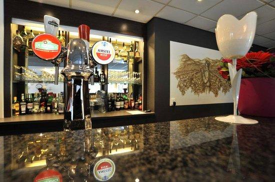 Golden Tulip Hotel Zevenbergen: Golden Tulip Zevenbergen Bar