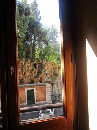 Sofitel Rome Villa Borghese: View of the Borghese gardens