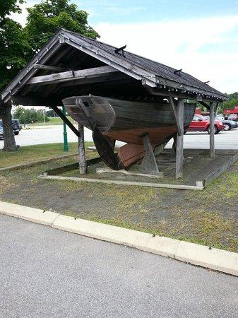 Olde Mistick Village : Boat