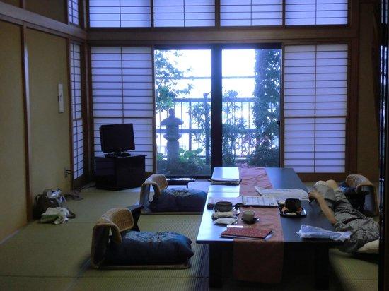 Saryo Sunano Sumika: 料理は朝夕ともお部屋食でタイミングよく運ばれる