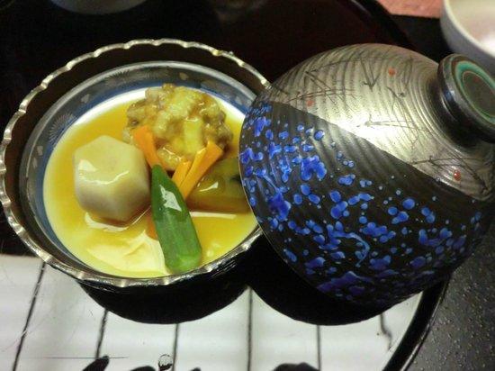 Saryo Sunano Sumika: 見た目よし味よしの椀物 全体として量は多くしゃぶ鍋は残した。