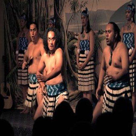Sudima Hotel Lake Rotorua: Te Roopu Manaia Group Web