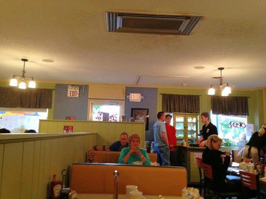 Omelette Shoppe : Resturant interior