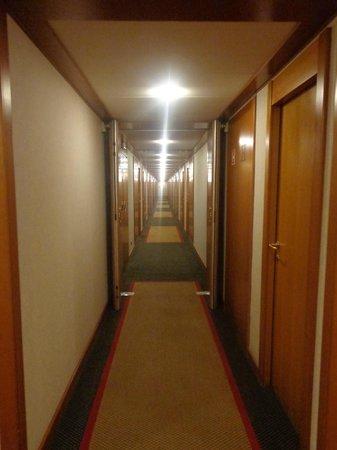 Orea Hotel Voronez: Corridor