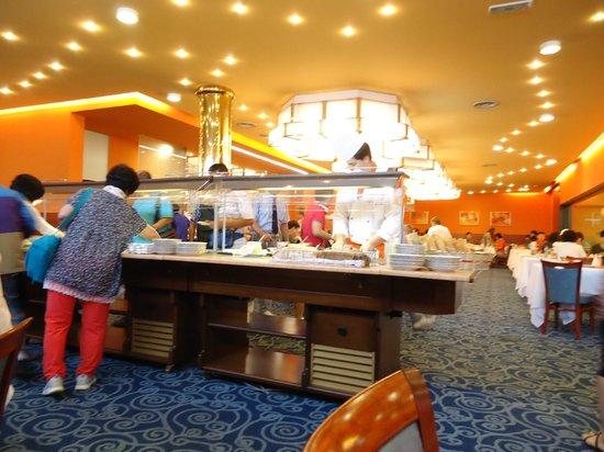 Orea Hotel Voronez: Breakfast