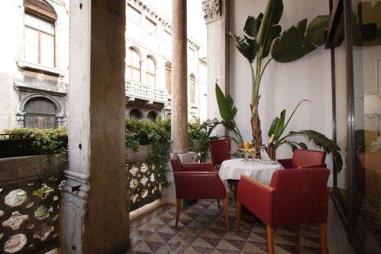 Photo of Hotel Dona Palace Venice