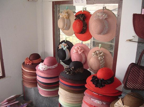 Hup Kraphong Royal Development Project Center: selfmade hats from locals
