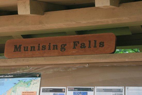 Munising Falls : Sign