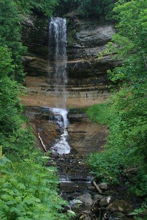 Munising Falls : Waterfall