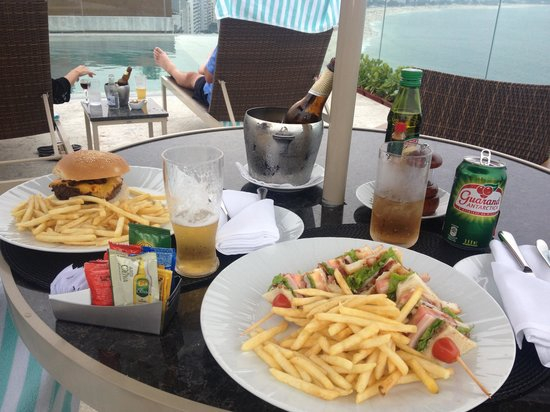 Miramar Hotel by Windsor : Deliciosa hamburguesa