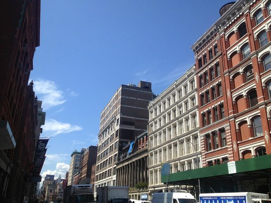 Gotham Walking Tours of New York City: The Colonnade Row in East Village