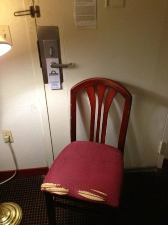 Lubbock-Days Inn Texas Tech University: worn chair