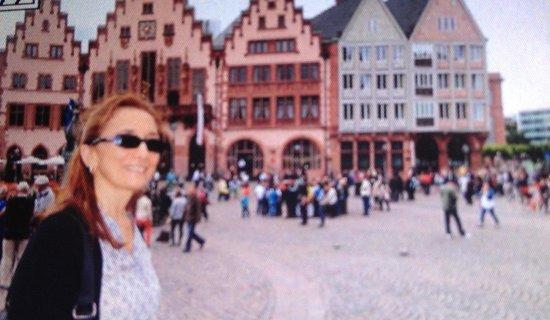 Frankfurt City Tour: Praça Romer!! Linda