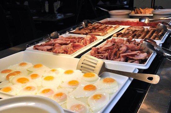 Viking Hotel: Buffet Breakfast