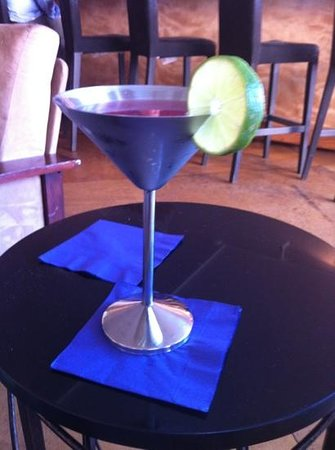 Clemente's Fresh Seafood Restaurant & Market: cool way to serve a Cosmo