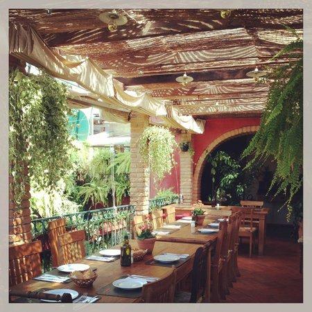 Olea Mozarella Bar: ambiente do mezzanino