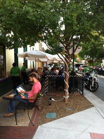 Okra's Cajun Creole: outdoor seating