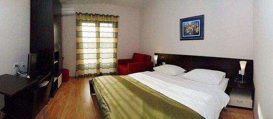 Berkeley Hotel & Day Spa: Room