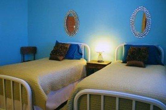 Craignair Inn at Clark Island: Twins Privatebath Bluegreen