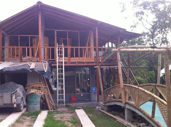 Ananaw Hosteria: Rénovations...