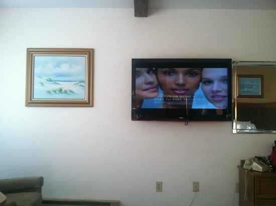 Gold Beach Inn: HUGE flat screen