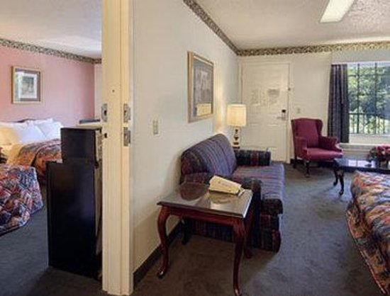 Days Inn Union: Two Bedroom Suite