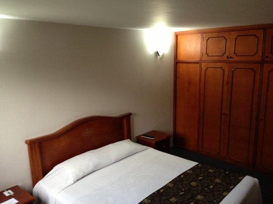 Hotel Plaza Rosa: cama