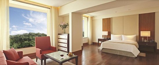 The Oberoi, Gurgaon: Premier Suite with Pool