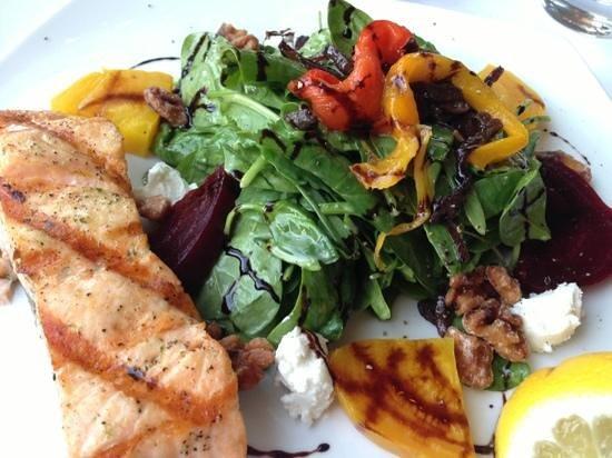 Don Antonio Trattoria: spinach salad with beets, feta, glazed walnuts (with salmon)